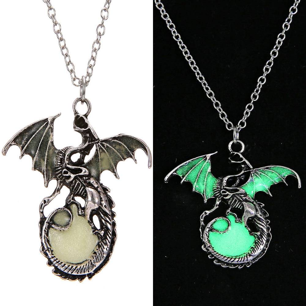 Game of Throne Jewelry Glow In The Dark Necklace Punk Dragon Necklaces For Woman Man Pendants Fluorescence Accessories Vintage 2