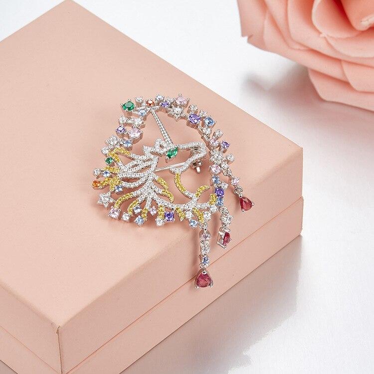 Célèbre marque cristal coloré 925 Broches en argent sterling AAA Zircon cubique Banquet Broches femmes accessoires