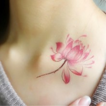 A larger harajuku lotus Men and women waterproof tattoo stickers Tattoo paste
