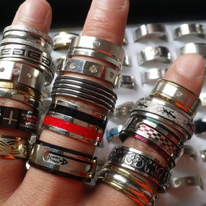 Image 1 - 50pcs stainless steel rings mixed styles mens womens top fashion jewelry wholesale lot bulk brand new
