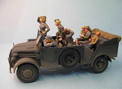 1 35 Resin Kits WWII German Army Woman Support Staff 8pcs set Figures no car