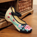 New peacock embroidery shoes women free shipping fine Chinese style black comfortable casual shoes fashion ladies flats