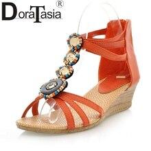 Mode bohême style vintage femmes chaussures d'été sandales à bout ouvert coins 2017 vente chaude nouveautés plage chaussures femme