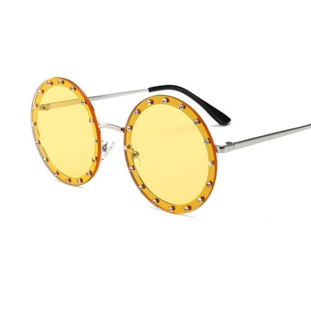 نظارة شمسية كلاسيكية مستديرة للنساء نظارات شمسية فاخرة من حجر الراين معدنية للسيدات 2018 وردي أحمر ريترو نظارات ظلال شفافة للرجال UV400