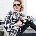 2016 novos casacos de inverno para baixo preto e branco xadrez para baixo casaco fashion personalidade carta de impressão jaquetas curtas