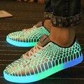 Люминесцентная обувь 2015 новое поступление загораются свободного покроя для взрослых мужчин мода искусственная кожа плоские кружева-up светятся в темноте обувь