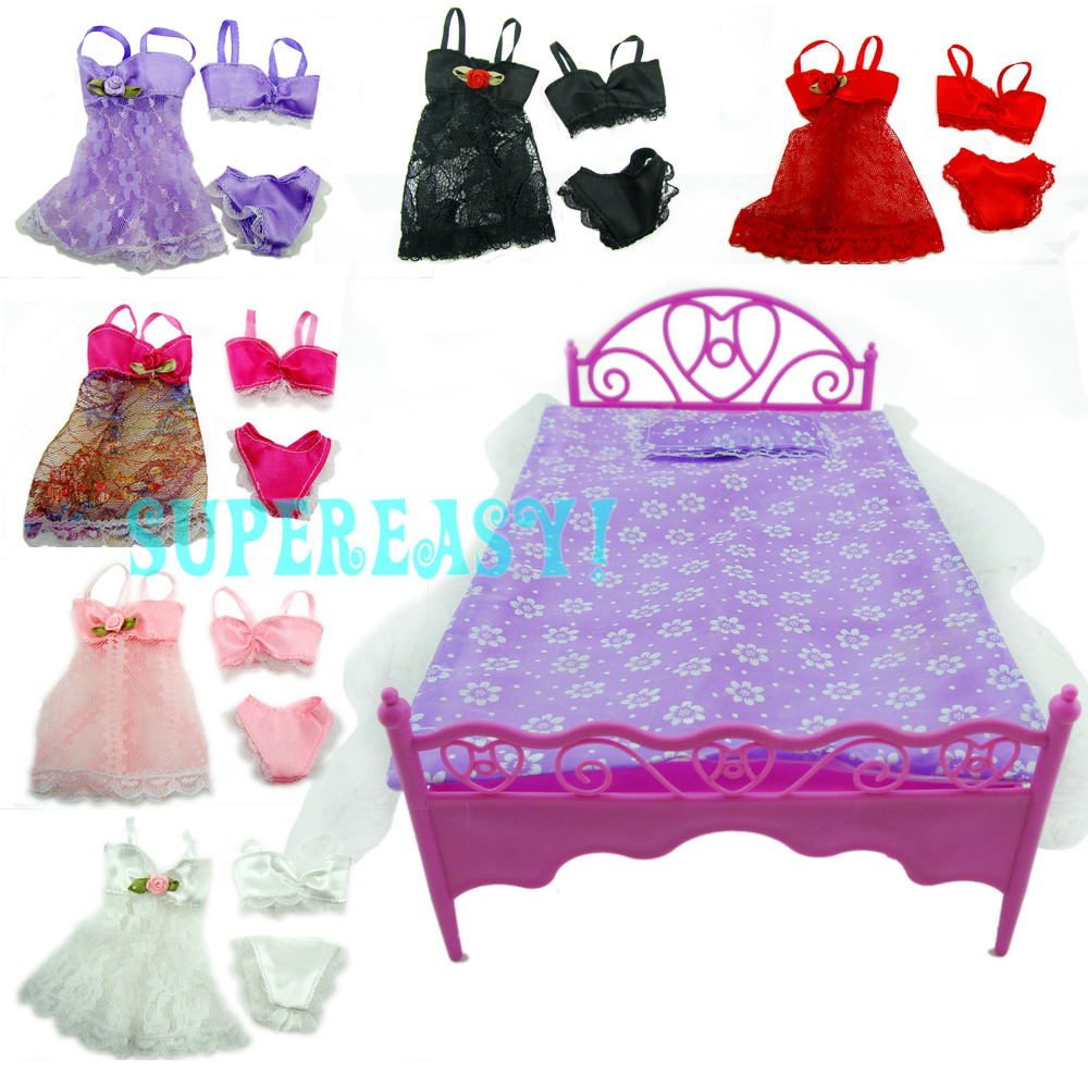 Plastics Bed Sleeping Toy / Pajamas Dress Bedroom Furniture Accessories For Barbie Kurhn 11.5