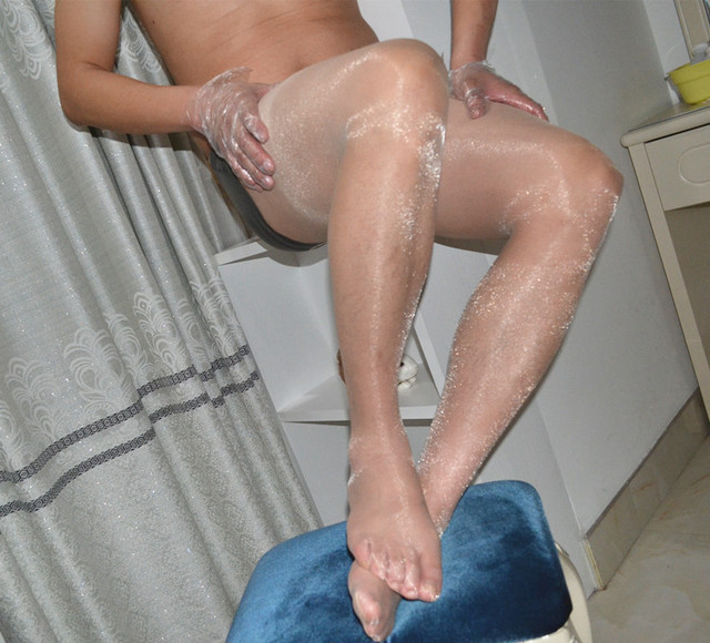 Men in pantyhose tube