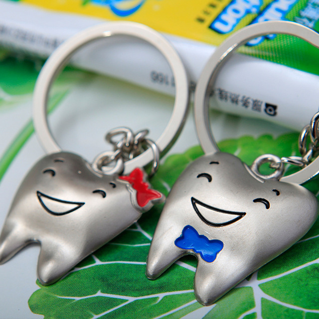NEW Romantic Lovers Couples Keychains Girlfriend Boyfriend Creative Birthday Gifts Key Chain Cute Teeth 2Pcs