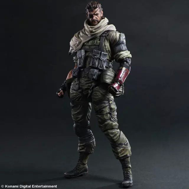 SAINTGI Play Arts Kai Solidus Snake Metal Gear Solid GROUND ZEROES PA 33cm PVC Action Figure Doll Toys Kids Gift Brinquedos 25cm play arts kai metal gear solid 5 the phantom pain quiet venom snake pa pvc action figure doll toys kids gift brinquedos