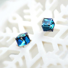 2017 Shiny Austrian Crystal Stud Earrings for Women Female Girl Birthday Gift Fashion Jewelry