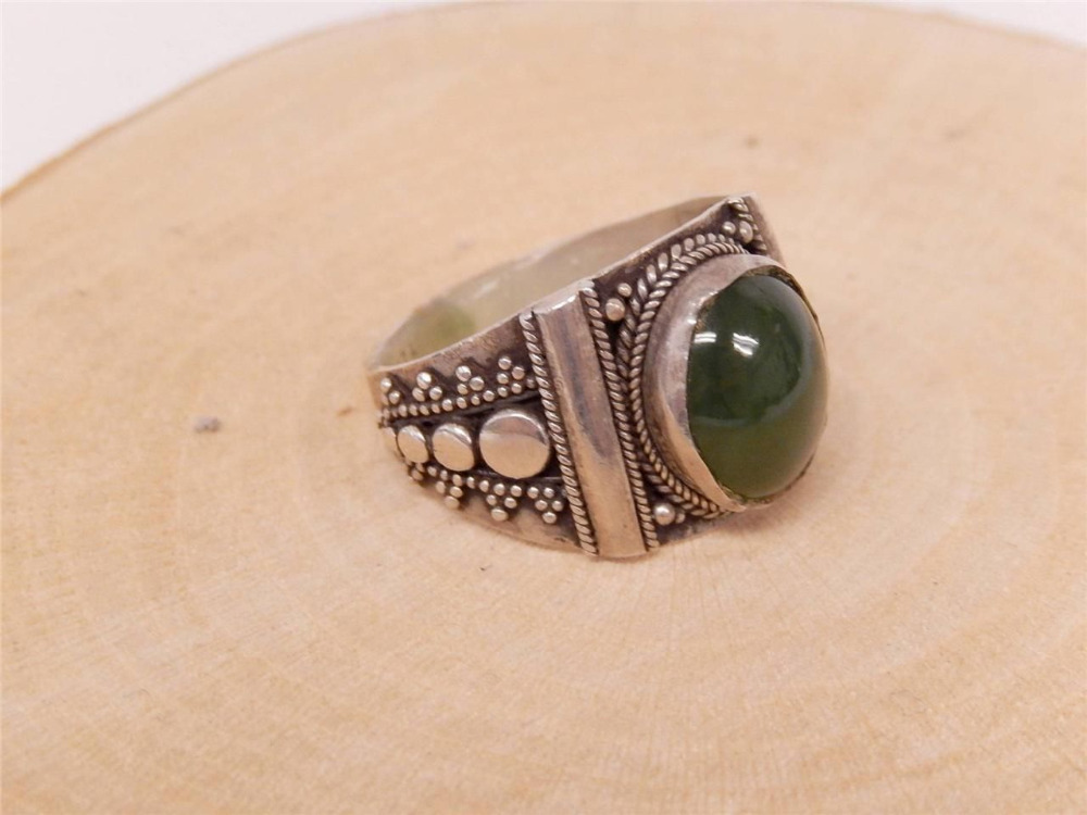 11507 TRIBAL STERLING SILVER AND GREEN JADE RING SIZE