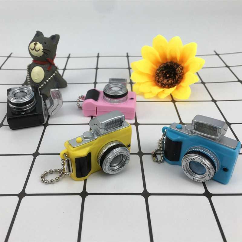 1/6 SD BJD Acessórios Da Boneca Emulação Câmera Keychain Brilha Voz Adequado Para 30 centímetros Bonecas Decorações DIY Brinquedo Para Crianças presentes