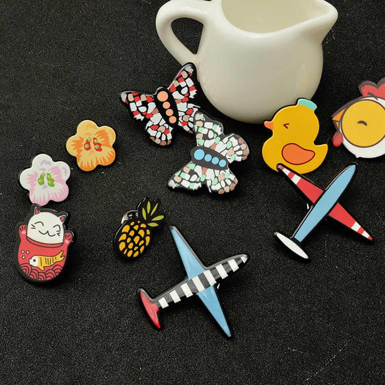 Fashion Lucky Kucing Ayam Bebek Pesawat Bunga Kupu-kupu Nanas Bros Pin Lencana Pakaian Jaket Kartun Pins Aksesoris