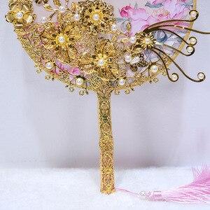 Image 4 - Kyunovia Kore Fan Tipi Gelin Buket Kristal Çiçek Kız Buket Altın Çiçek Kız Değnek Gelinlik Buketi D90