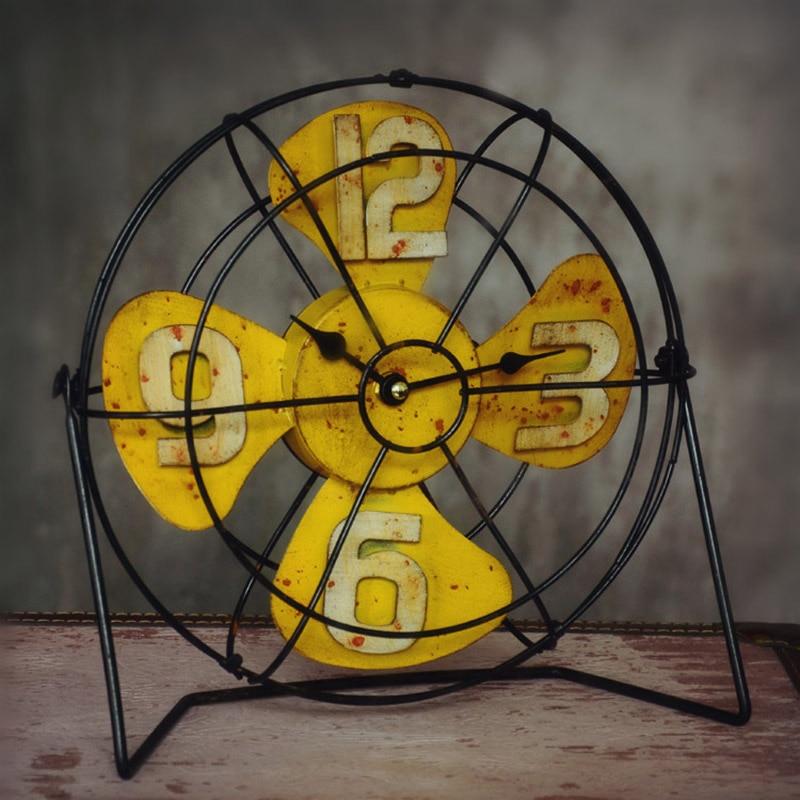 Américain rétro artisanat Vertical ventilateur modèle Bar bureau caractère horloge accessoires décoration maison cadeau accessoires 26*27*9 cm