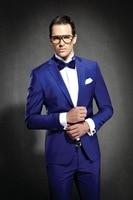 Brand New Groomsmen Bianco/Rosso/Blu Navy/Grigio Uomini Abiti Da Sposa Best Man Wedding Smoking (Jacket + Pants + Tie + Hankerchief) V21