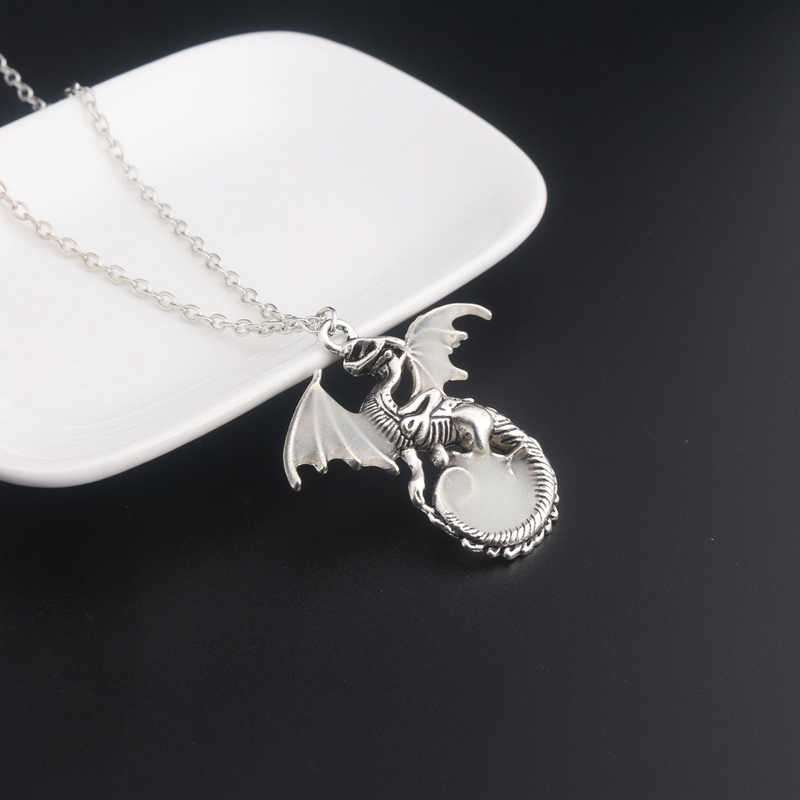 Game of Thrones Glow in the dark Dragon Pendant