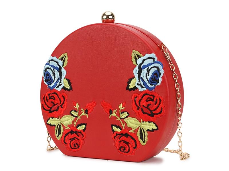 Bolsa Redonda com Bordado Floral