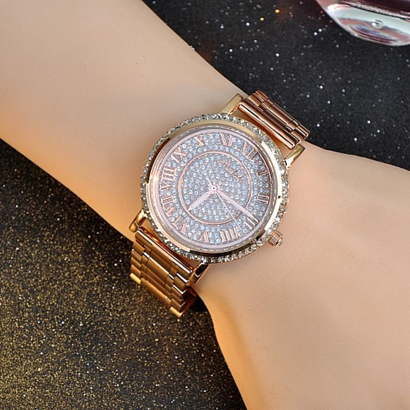 9abd23027cceb Mulheres Assistem Famosa Marca Relogio feminino Luxo Subiu Senhoras de ouro  Da Moda de Cristal Cheio Pulseira de Design Relógios Reloj Mujer em Pulseira  ...