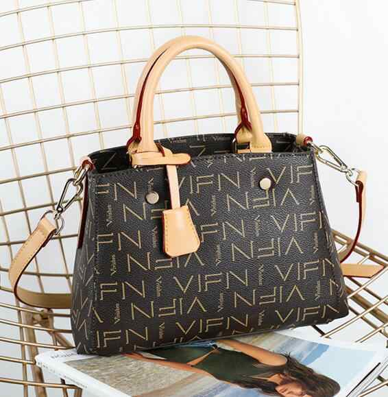 New Letter Women Bag Women Messenger Bags Bolsa Feminina Women Shoulder Bag  Female Causal Totes Luxury 2965f8255e8a