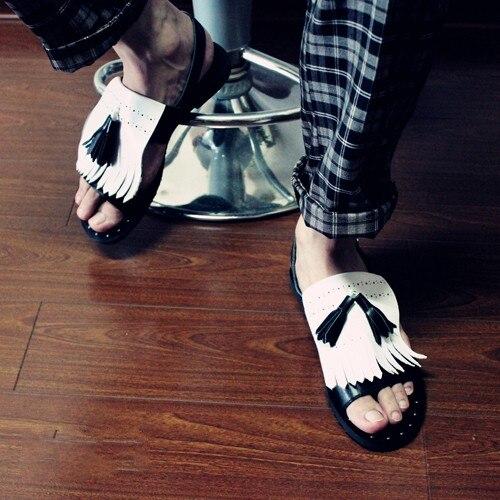 White Black Flats Cozy Leisure Genuine leather Punk Style Tassel Rivets Mans Sandals Fringe Strap Loafers Street Gladiator Men