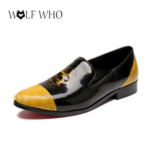 luxury Patent Leather Men Shoes Handmade Skull Printed Loafers Black Pointed Toe Men Shoes Smoking Slippers Men's Flats