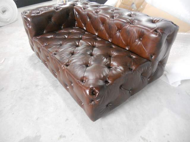 Living room sofa / European style wood sofa/oil wax full leather sofa 1  seater chair chesterfield sofa