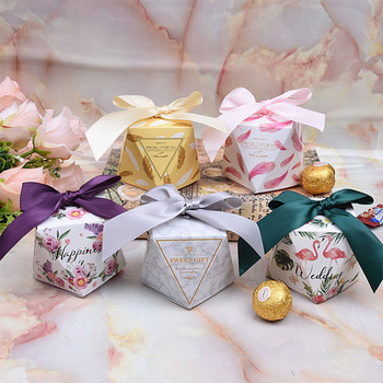 100Pcs Diamond Shape Candy Box Wedding Favors and Gifts Box Party Supplies Paper Gift Chocolate Boxes Packages 7*7*7.5CM