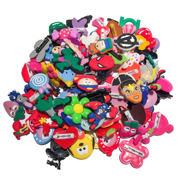 100pcs Random PVC Cartoon Icon Brooch Pins Anime Figure Pin Button Badge Pinbacks Backpack Clothes Hat Decor