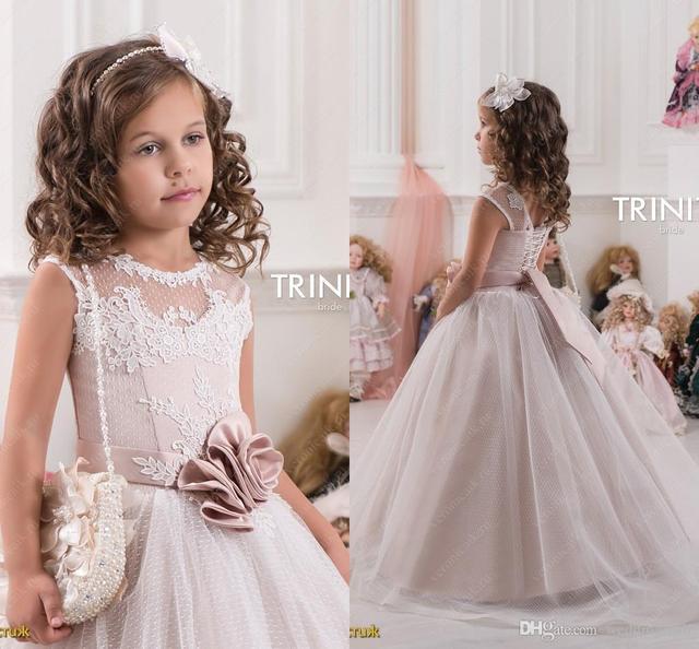 2016 Tulle Lace vestido de Baile Da Menina de Flor Vestidos para Casamentos Comunhão Santamente Vestidos Pageant Lindo vestido da Criança Do Vintage FE90