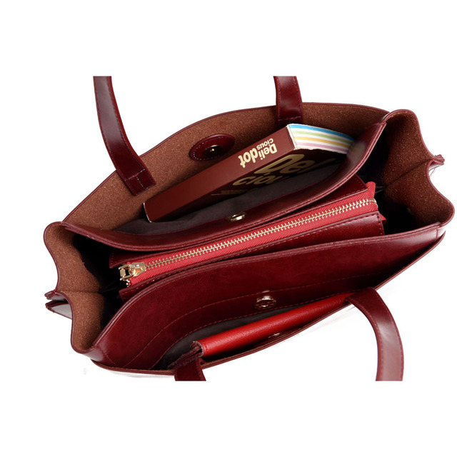 Ladies Stylish Handbag / Shoulder Bag