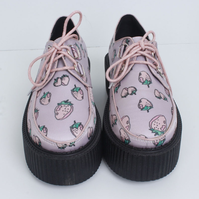 Women Strawberry Creepers Flats Platform Shoes Spring And Autumn Fashion Classic Harajuku Punk Shoes Sapato Feminino