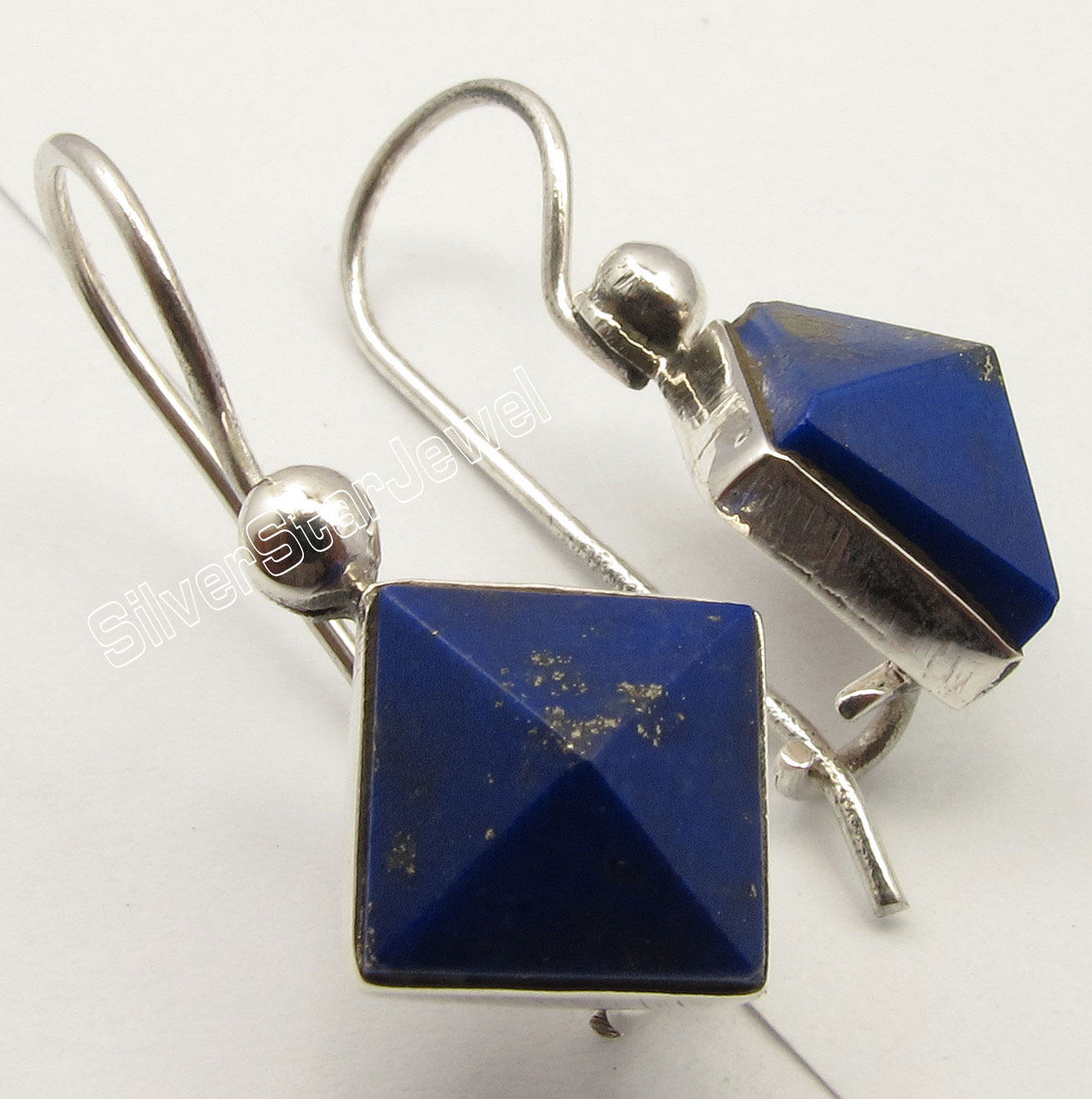 Chanti International Silver Exclusive LAPIS LAZULI MADE IN INDIA Pyramid Earrings 1 inches NEW