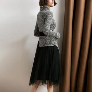 Image 2 - חדש 2019 סתיו חורף אופנה בגדי סטי נשים מוצק סדיר סריגה צמר חולצות סוודר + קטיפה רשת חצאית חליפה