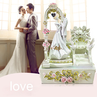 110/220V Fashion Lovers Wedding Scenes Resin Water Fountain Home Premium Decorative Ornaments Humidifier Newly Married Art Gifts