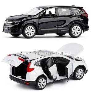 Image 4 - Yüksek simülasyon 1:32 ölçekli geri çekin Honda CRV alaşım araba, 6 açık kapı müzik flaş araba model oyuncaklar, metal döküm, ücretsiz kargo