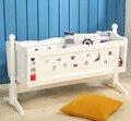Berço do bebê mesa de madeira. cama. rolo uo neonatal cama jogo de cama
