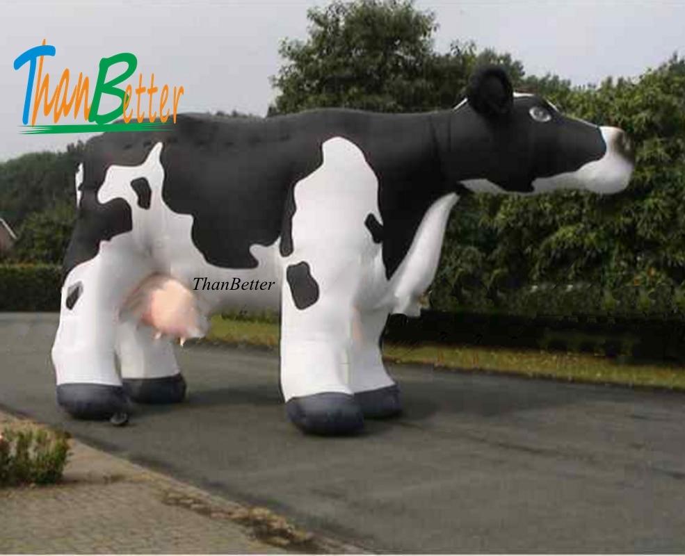 Vache à lait gonflable géante faite sur commande de belle publicité pour la ferme