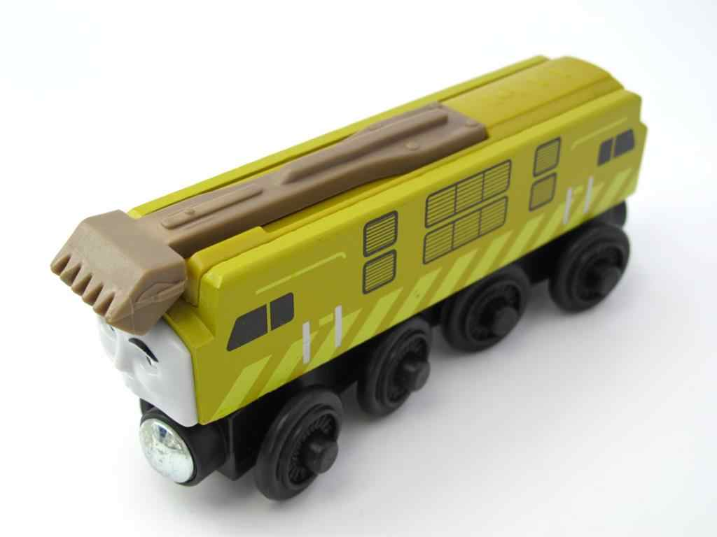 Wooden Train T040W DIESEL 10 Magnetic Truck Car Locomotive Engine Railway Toys for Children