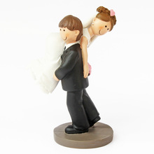 Wedding Decoration Resin Miniature Bride and Groom Figurines Funny Pose Marriage Statues Cake Topper Anniversary Gift lovely sika deer cake topper cake decoration party wedding dessert decoration home decor miniature terrarium figurines ornaments