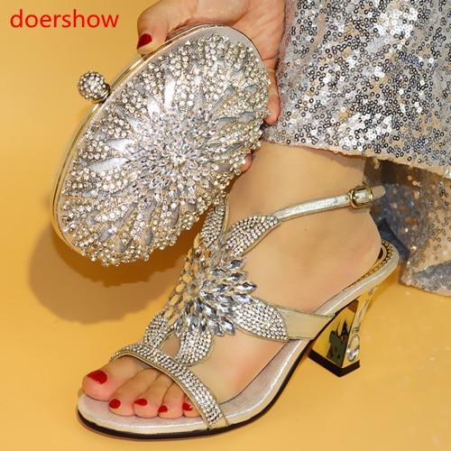 81243b669 Doershow Nova cor prata Sapatos Italianos Combinando Com Sacos De Mulheres  Africanas Sapatos e Bolsas Estabelecidas Para a Festa de Formatura de Verão  ...