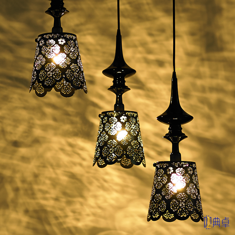 Nordic romantic hollow carved art lace Iron Pendant Lights Lamp bedroom villa restaurant preferred LED lamp ZA FG400 classic candlestick hollow iron art lamp for romantic wedding home decoration