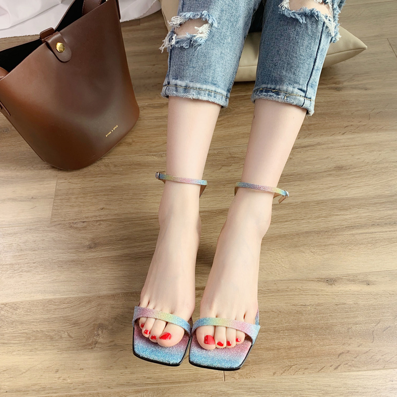 2019 summer new simple one-line buckle with shaped and simple white female sandals ladies shoes2019 summer new simple one-line buckle with shaped and simple white female sandals ladies shoes
