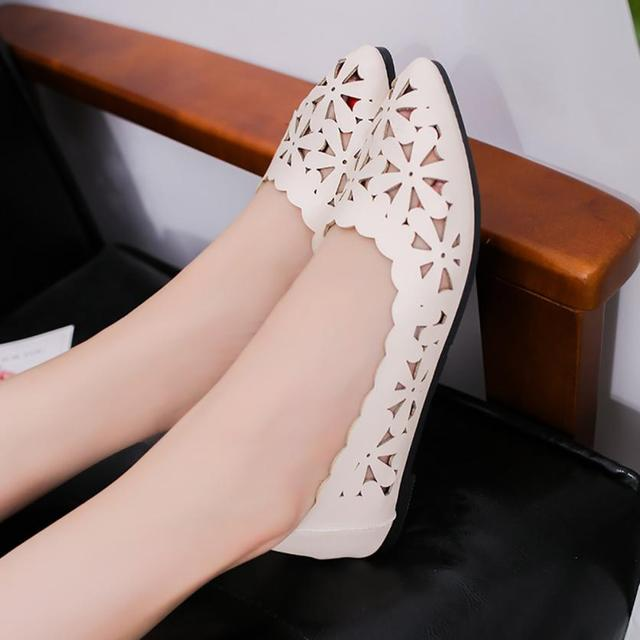 Shallow Flat Heel Hollow Out Flower Shape Nude Shoes  5