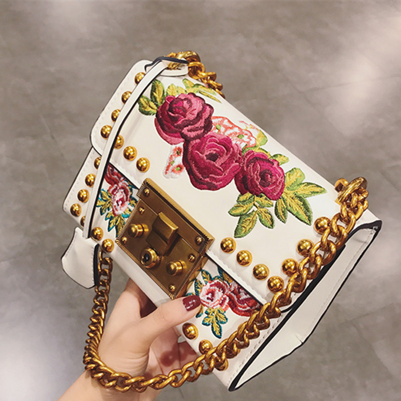 2019 mode femmes dame or Rivets broderie fleurs chaînes en cuir sacs à main sacs à bandoulière Messenger sacs noir blanc sac à main