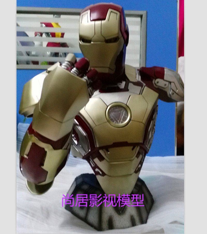 Statue Avengers Avengers Iron Man Bust MK42 Half-length Photo Or Portrait Lighting (LIFE SIZE) 1:2 BIG Statue Chest WU558 statue avengers captain america 3 civil war iron man tony stark 1 2 bust mk33 half length photo or portrait with led light w216