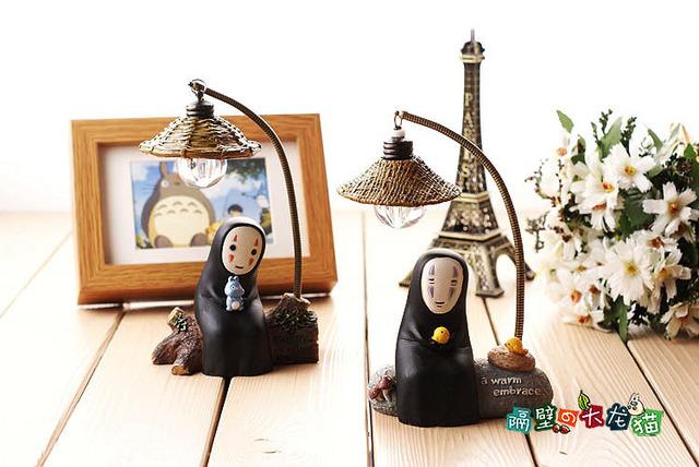 1 unids 17 cm Nuevo Japonés Figura Miyazaki Hayao Chihiro Kaonashi sin Rostro LED Lamparita Anime Figuras de Acción de Navidad juguetes