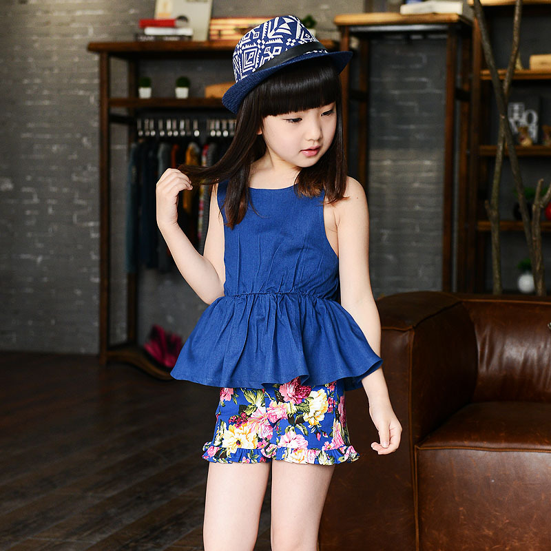 Girls Suit New Summer Shorts Child Korean Two Piece Child Suspender Jeans Hot Kids Clothing Sets Causal Blue Flowers Printing цены