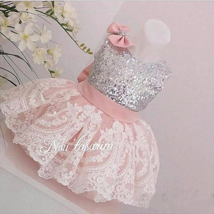 f13b34afcb401 Pic Bébé Bal Rose En Âge Personnalisé D'anniversaire Fille As Avec Bas Un  Fleur De Année Robe Same Pageant Robes ...